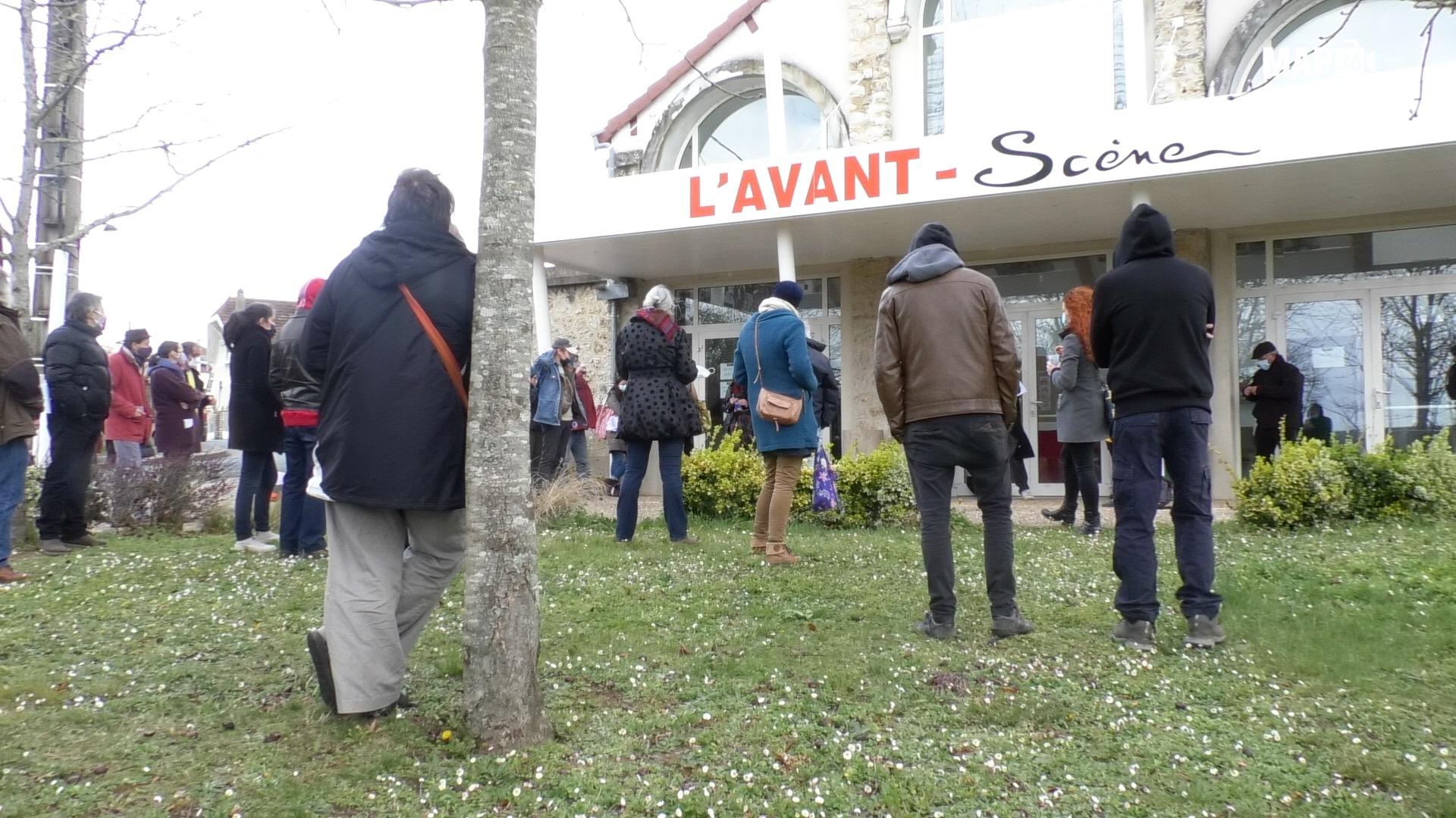 Agora devant l'Avant-Scène à Argenton-Sur-Creuse